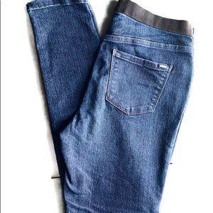 Vera Wang skinny dark wash jean leggings.